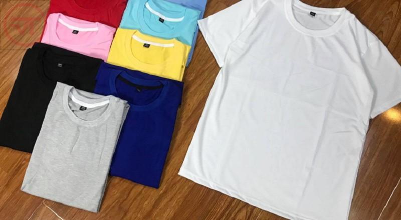 Áo thun cổ tròn được may từ nhiều loại vải thun khác nhau